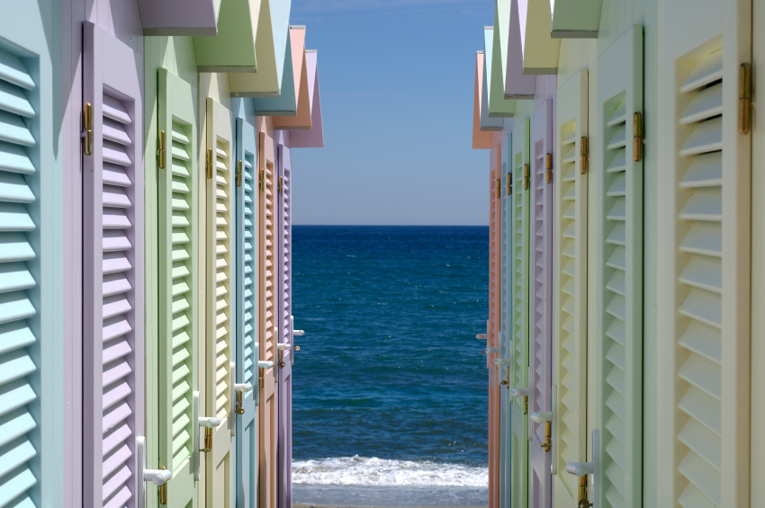 photograph of beach houses used to illustrate similarity